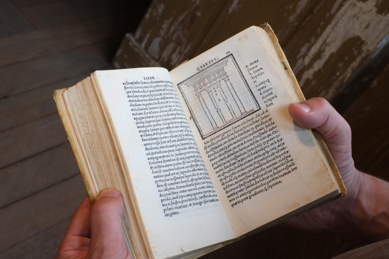 <p>Vitruvius iterum..., Florence, Filippo Giunta, 1513.<br /> Photo André Cepeda</p>